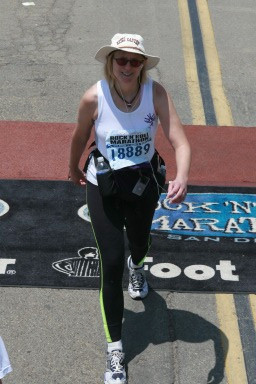 Here I am, pretty early in the race (you can tell because I'm smiling)